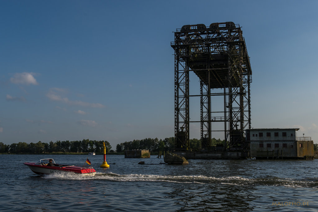 Brückenboot 1