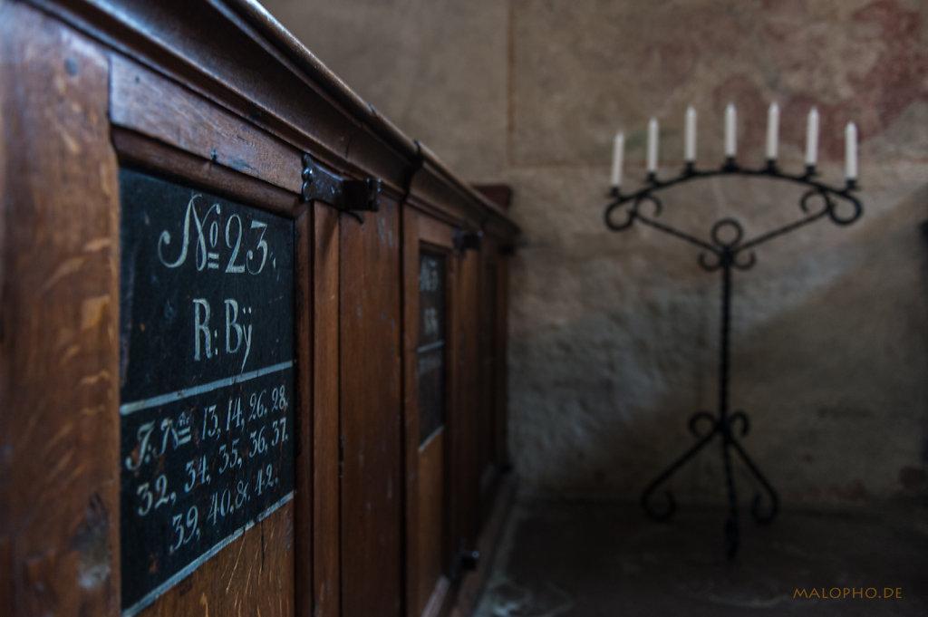 Kirchenbänke-23
