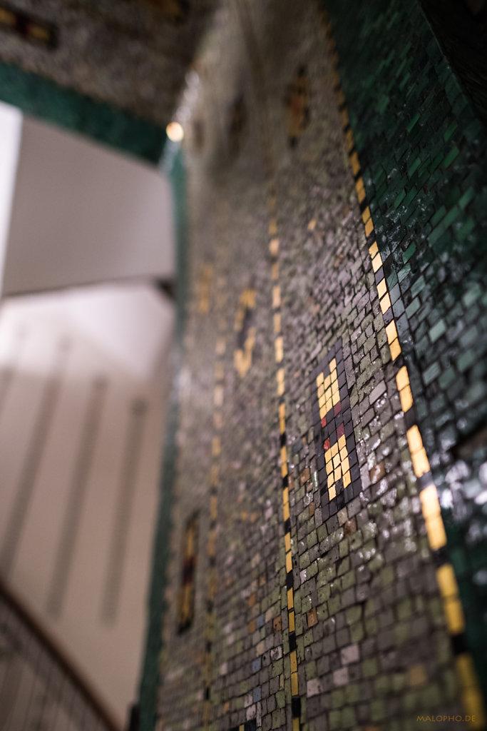 Hillebrandhaus Seite Mosaik-1