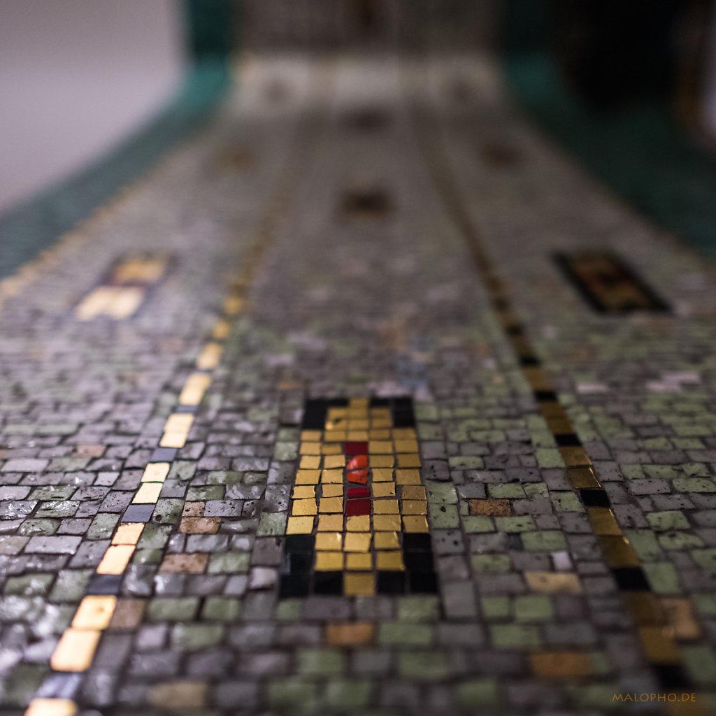Hillebrandhaus Seite Mosaik-2