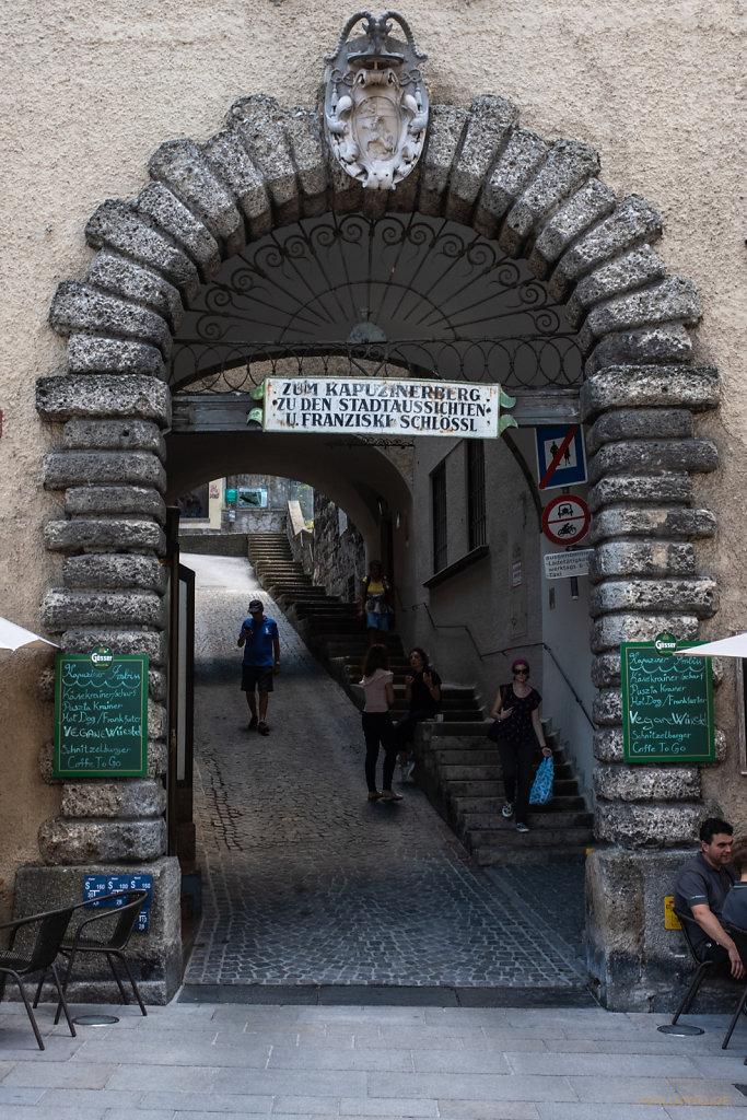 Kapuzinerberg Portal