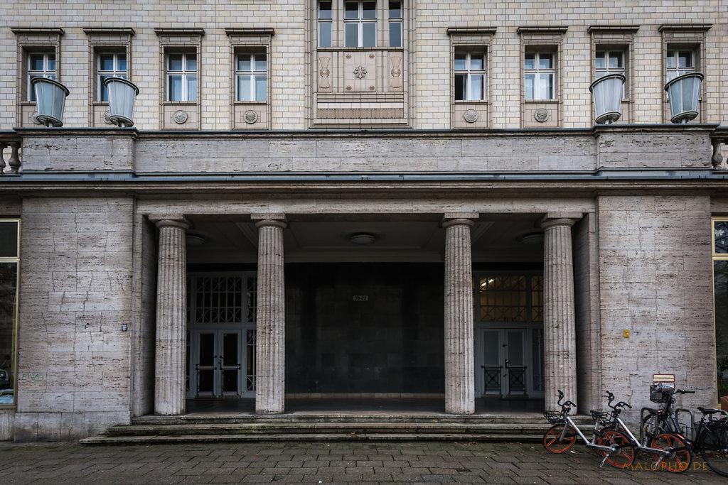 Eingang Karl Marx-1