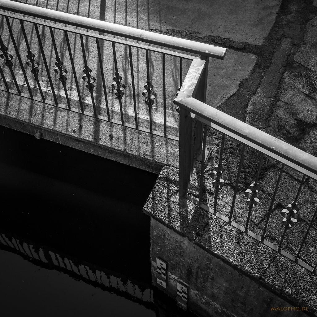 03 | 16 - Zackiges Geländer