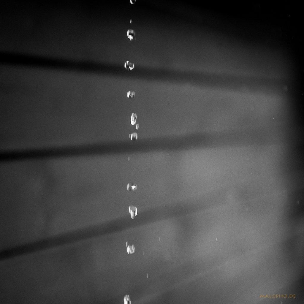 04 | 29 - Regentropfenkette